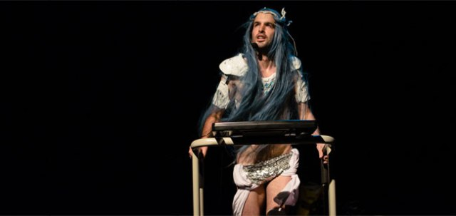 tiny stadiums theatre double bill pact suzy goes see