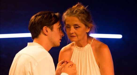 Review: I Hate You My Mother (Old Fitz Theatre) | Suzy Goes See